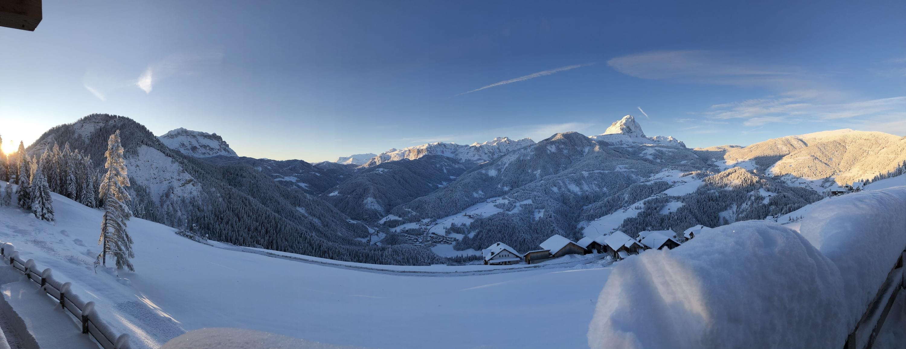 panoramic view of the Dolomites from the Alpinus holiday farm